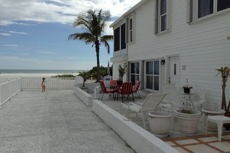 Siesta Key Luxury on the Beach! - Siesta Key