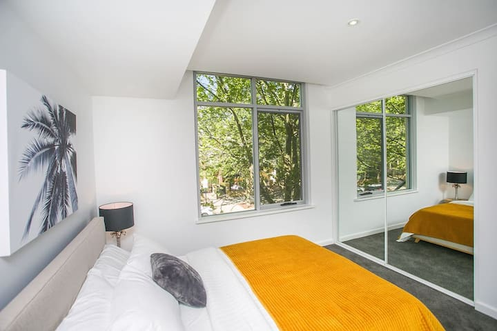 Large One Bed Apartment