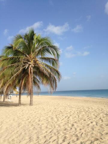 LOVELY APART FEW STEPS TO THE BEACH - San Juan - Apartamento