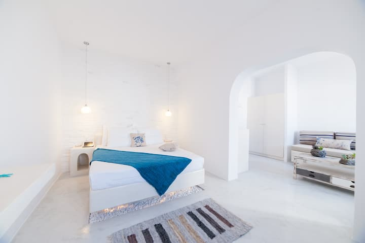 Superior Suite with Pool view in Naoussa
