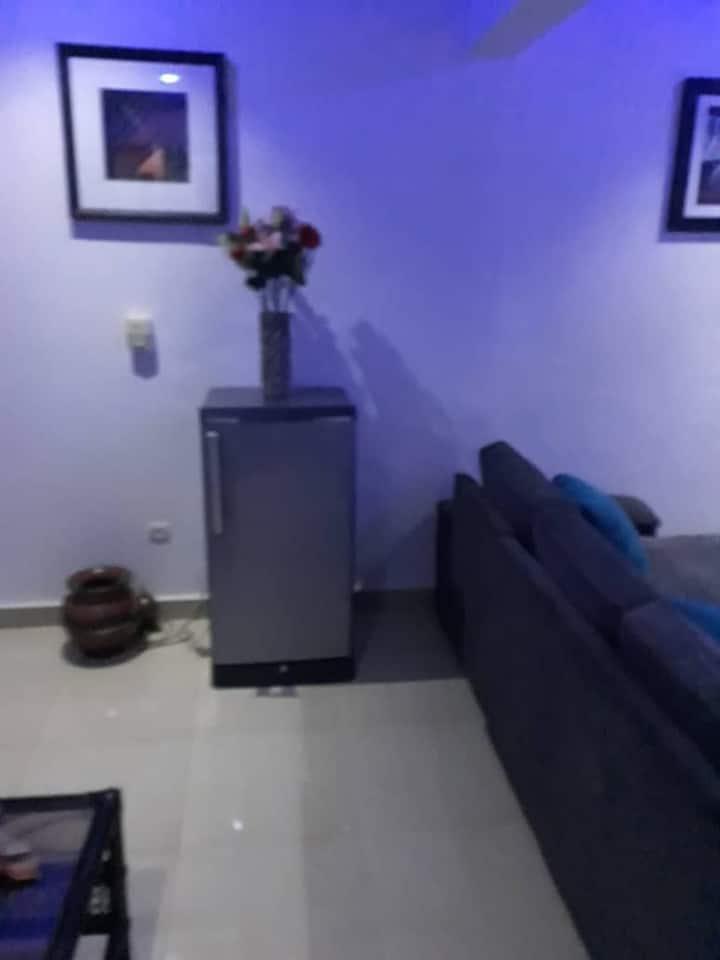 Appart Meublé 1 Chambre + Salon + Cuisine à Ouaga
