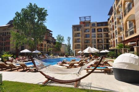 Апартаменты с 1 спальней в к-се Harmony Suites 3 - Sunny Beach