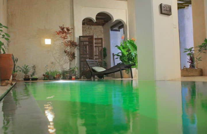 ROOM 5 IN HISTORICAL  HOUSE WITH  POOL IN OLD LAMU