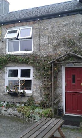 The Cottage, Stithians Lake