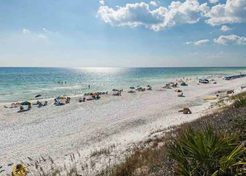 ⭐️30A Beachhouse Getaway⭐️400 yds to water and sand