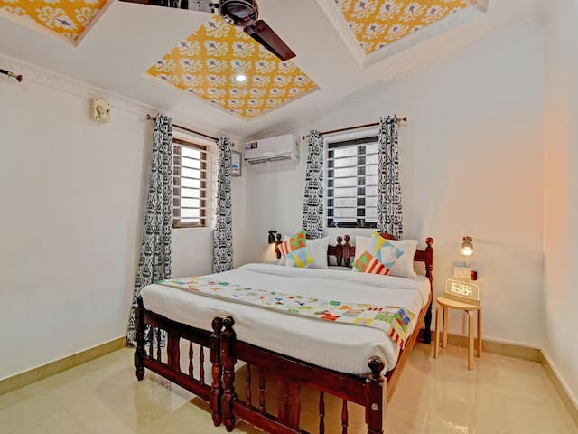 OYO Best Deal! Cosy 1BR Home near Club Cubana (4.4 km)