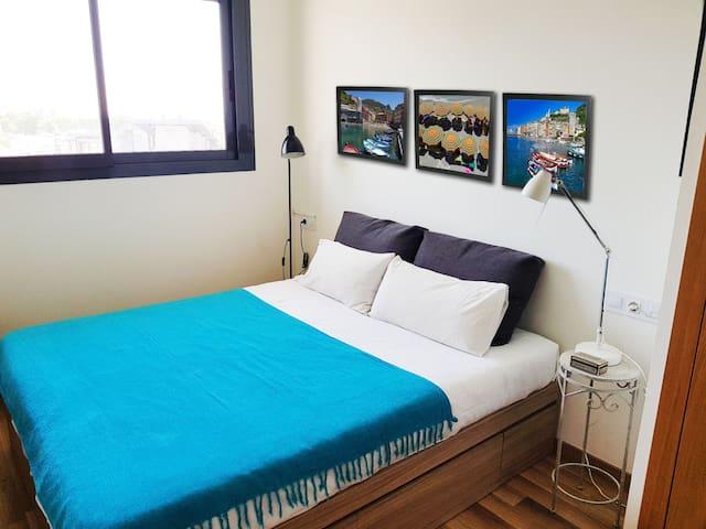 Cozy double room in the Barcelona region.