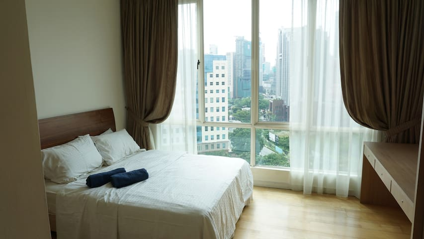 231TR: 3 Bedrooms with Spectacular City View