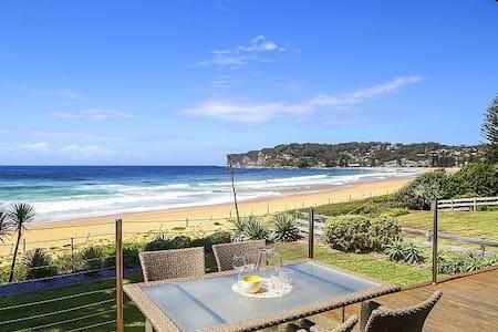 The View - Absolute Beachfront @ Avoca (North) - Maison