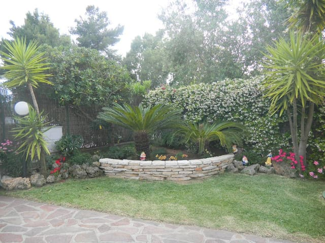 App.to con giardino, 100 m dal mare - ฟอนดิ - อพาร์ทเมนท์