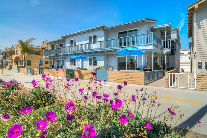 """""""Groundswell"""" Unit E (Upper) 2bd / 2b Oceanfront Condo on the Boardwalk!"""