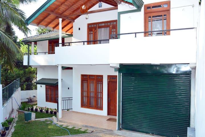 Shalom Villa - Holiday Banglow