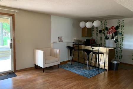 Rent bedroom in Minneapolis- Peaceful