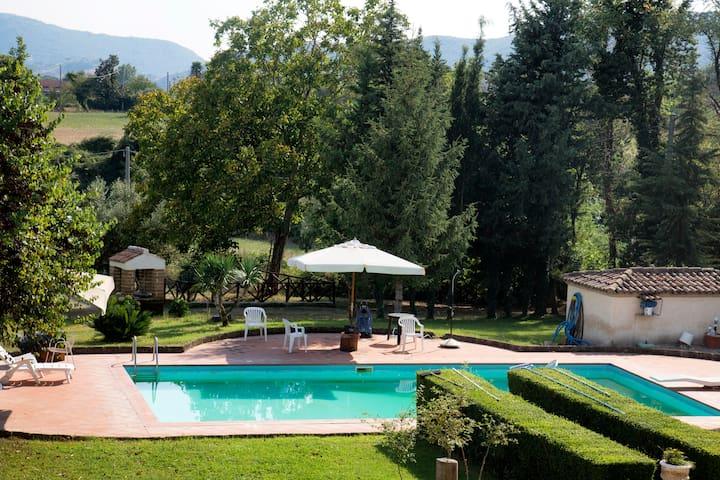 """Masseria """"Le Zavattole"""", relax nella natura."""