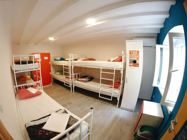 Booze&Snooze - Social Hostel in the City Centre