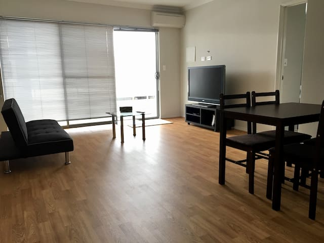 Modern secured apartment in Queens Park. - Queens Park - Wohnung