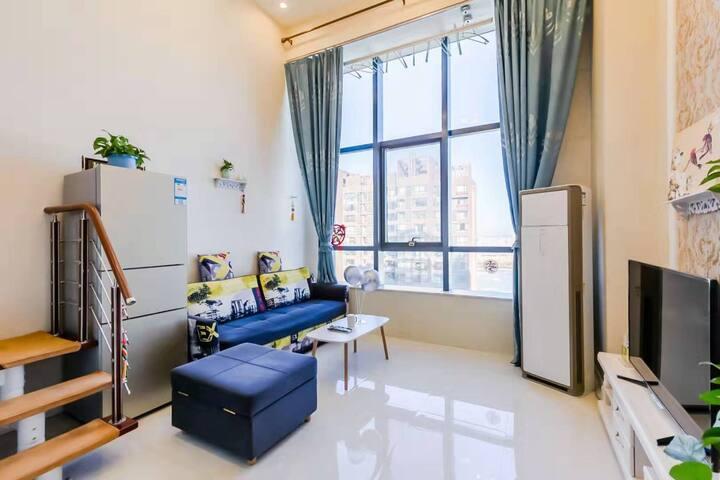 兴隆大家庭亿隆国际复式公寓日租/短租5号