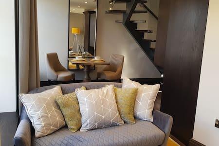 Luxury King Size Apartment 3