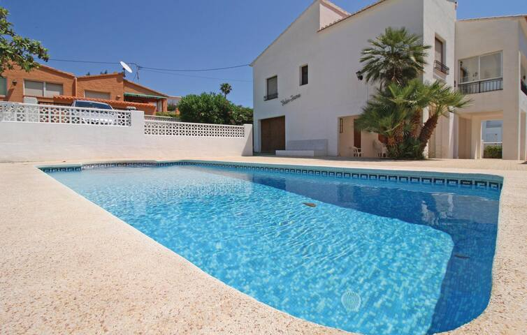 Holiday cottage with 3 bedrooms on 68m² in Calpe