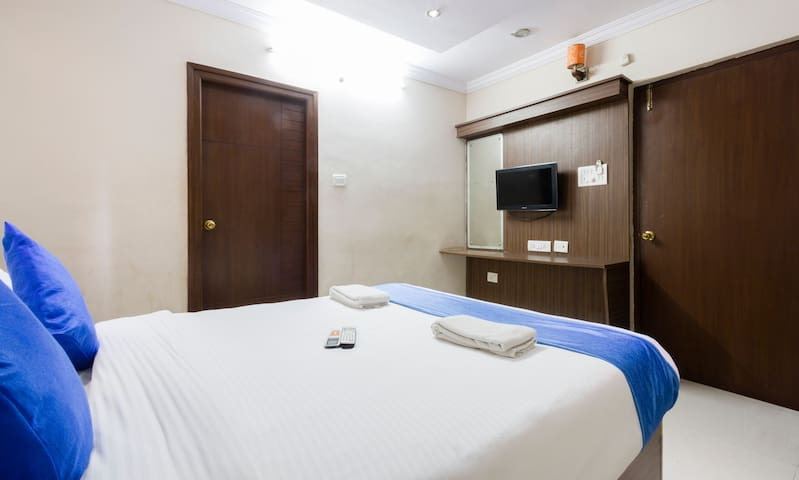 Couple Friendly Room in calm location at Kondapur