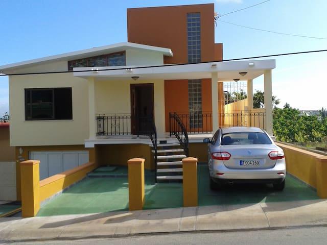 Casa de Lujo Villa Serrano