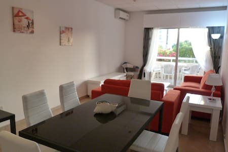 Large 3 bed - pool, next to sea & Amenities, Wifi - Agios Tychon - Apartment - 1