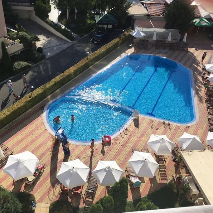 Swimming pool avalaible daily till 21:00