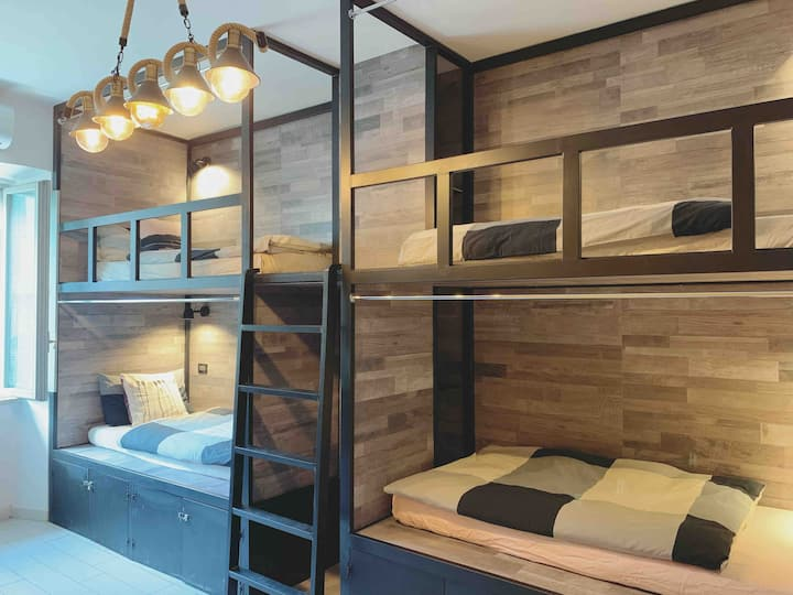 One Bed in female dormitory room beside Termini(A)