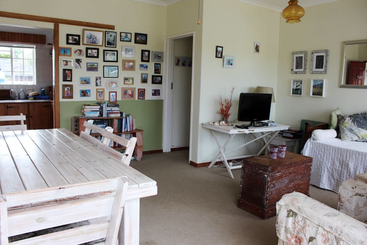 Comfy holiday home a stone's throw from Paradise! - Jeffreys Bay - House
