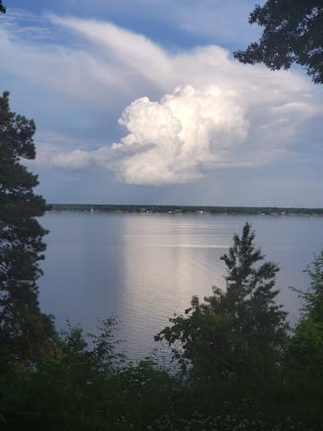 Gull Lake.... (Dogs Welcome!..people tolerated)