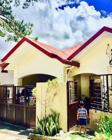 Mary's Home Baguio 2BR Entire House (5-9guests)