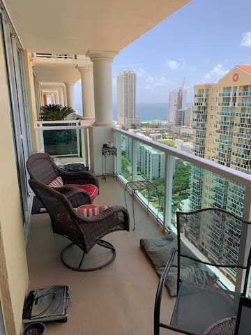 Shared space in luxury building Sunny Isles Beach