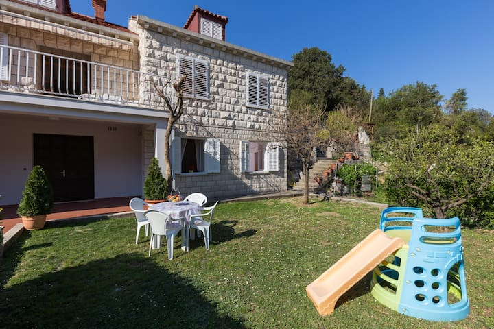 Charming Little Apartment Rudenjak near Dubrovnik - Komolac - Apartment