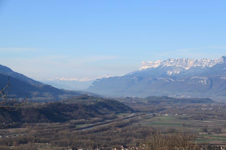 Vallée du Grésivaudan avec au fond Grenoble