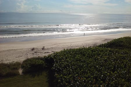 Relax and unwind on Florida's space coast! - Indian Harbour Beach - Leilighet