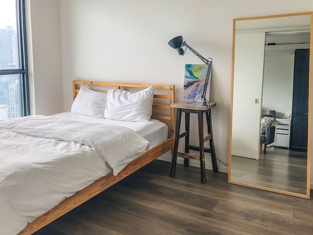 Corky Artist One Bedroom Apartment in Downtown