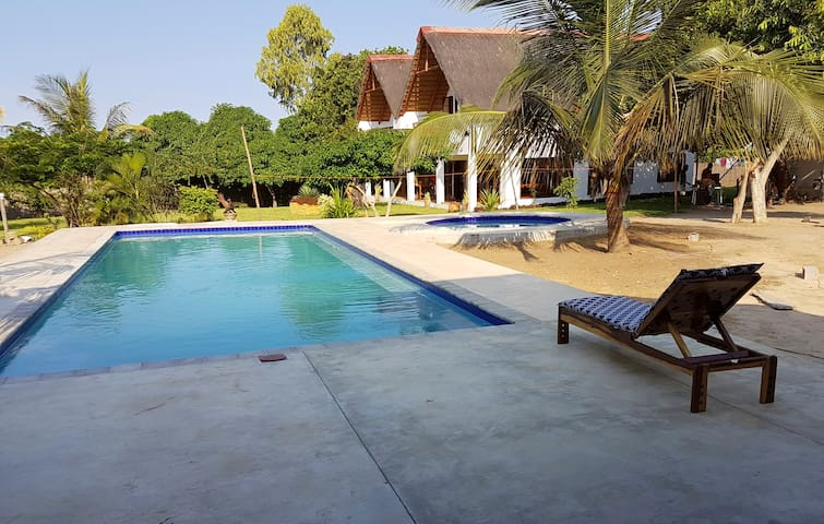 Stylish house very big pool and nice garden