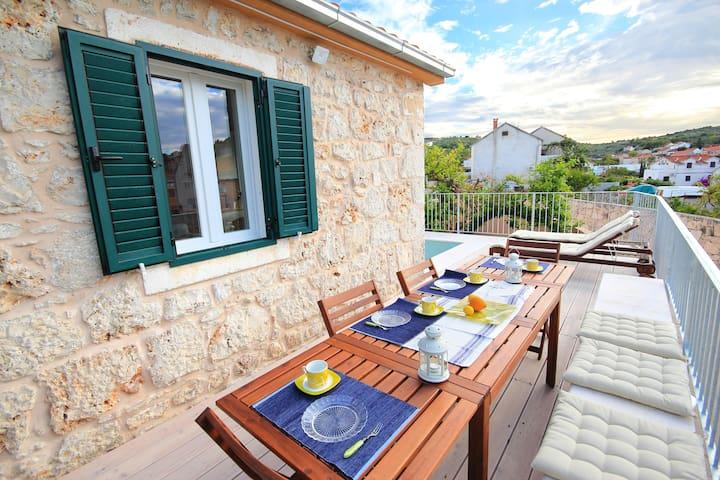 Island stonehouse villa on the Adriatic