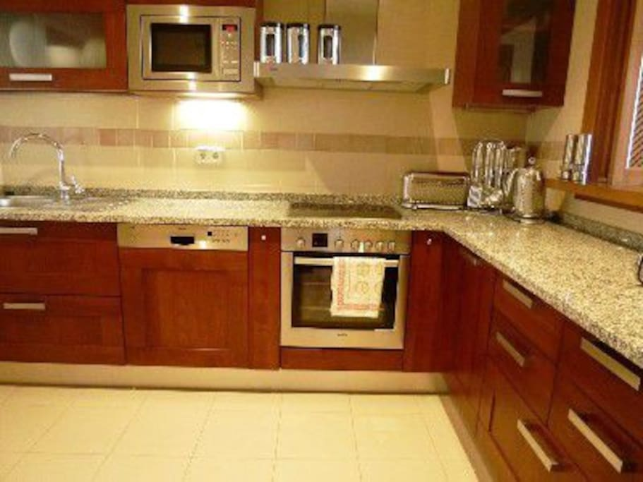 Fully equiped kitchen with everything you need.
