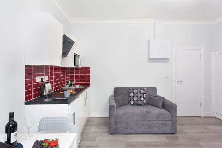 Self Isolation Apartment with ★WiFi★Netflix