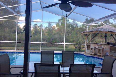 Gorgeous Pool Home - Golf Community - Wesley Chapel - Ház