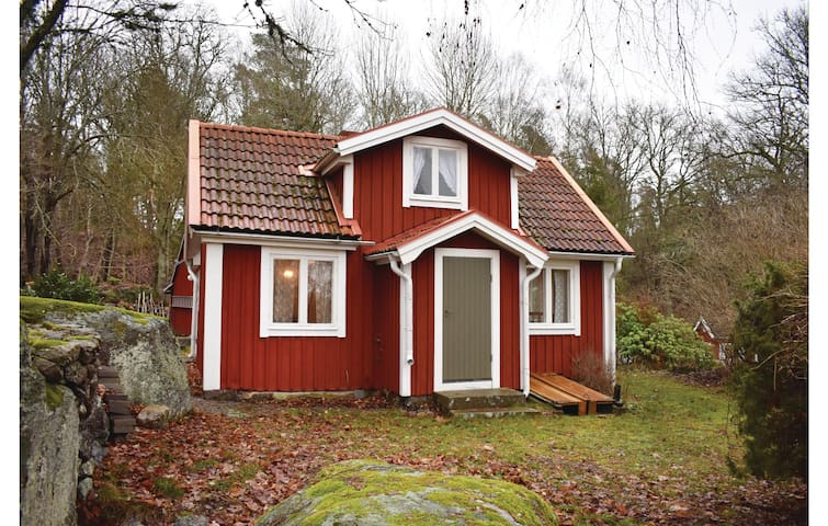 Holiday cottage with 3 bedrooms on 60m² in Bräkne Hoby