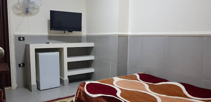 Private Single Room, Kitchenette and Bath