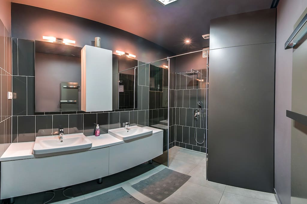 Spacious walk in shower, double sink, so you are not losing any time in the morning, and stealing time from discovering gorgeous Budapest