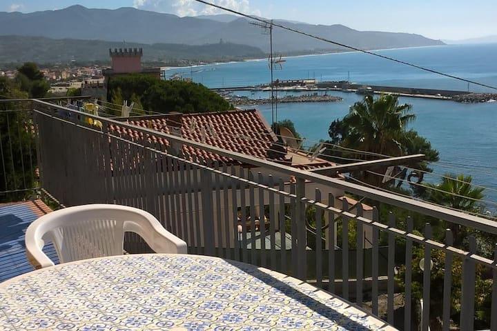"""Casa Vacanze """"IL NIDO DEL GABBIANO"""""""