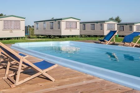Cuma Camp - Domek holenderski