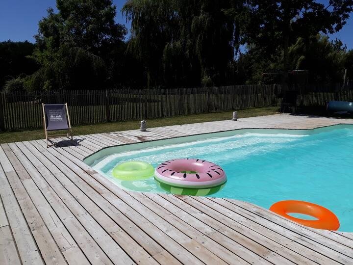 Gîte à la campagne avec piscine