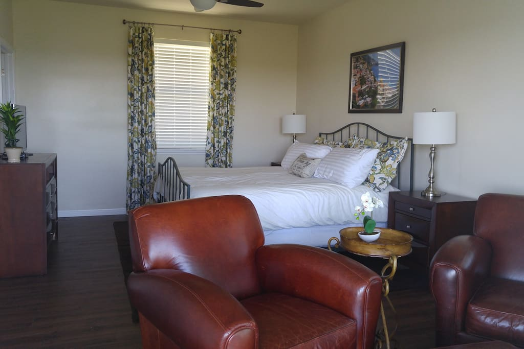 Master Suite -King Sized bed