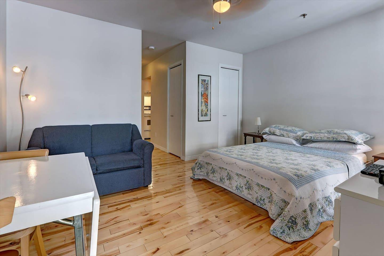 Beau Loft Vieuxqu Bec 10 Beautiful Flat Old City Apartments  # Meuble Collection Brady