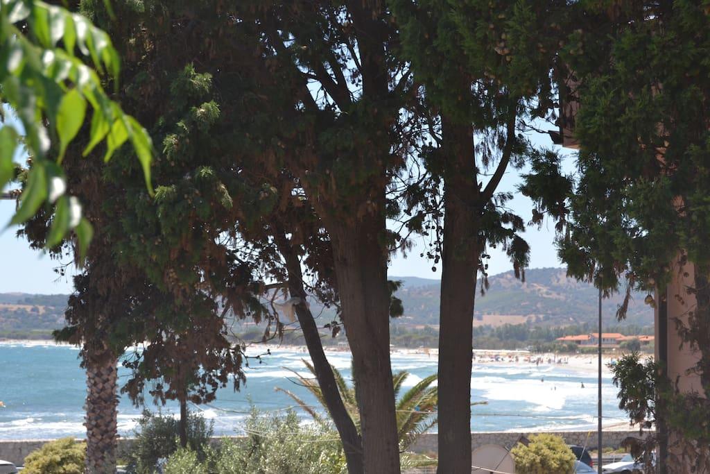 Vista mare dal giardino